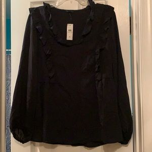 Anne Taylor ruffled accent top